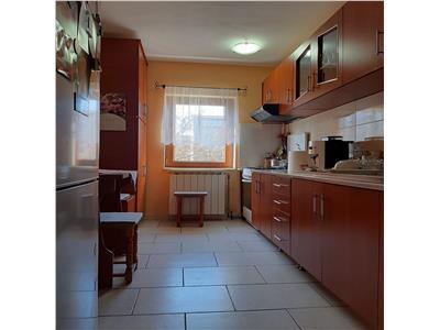 Apartament 4 camere, beci uscat, parcare