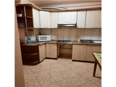 Apartament 3 camere Central spre inchiriere