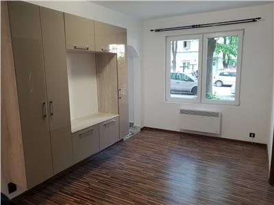 Apartament 2 camere renovat, mobilat si utilat