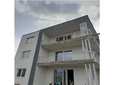 Apartament 3 camere bloc nou, parcare privata